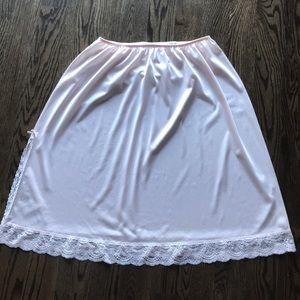 vassarette Intimates & Sleepwear - Vintage Vassarette pink half slip, size XXL